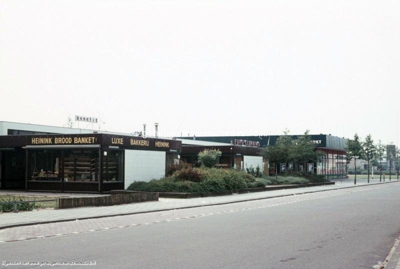 1970-1980 Winkelcentrum Het Bijvank bron mw. Assink-Heys.jpg