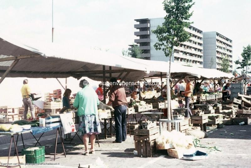 1970-1980 markt Wesselerbrink bron mw.Assink-Heys.jpg
