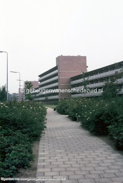 1970-1980_Broekheurnerring_tegenover_Geesinkbrink_bron_mw._Assink-heys.jpg