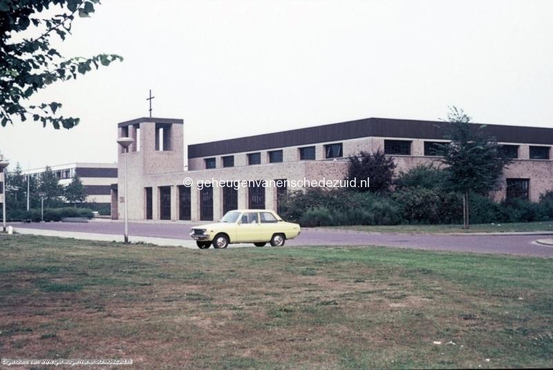 1970-1980_Verrijzeniskerk_bron_mw._Assink-Heys.jpg