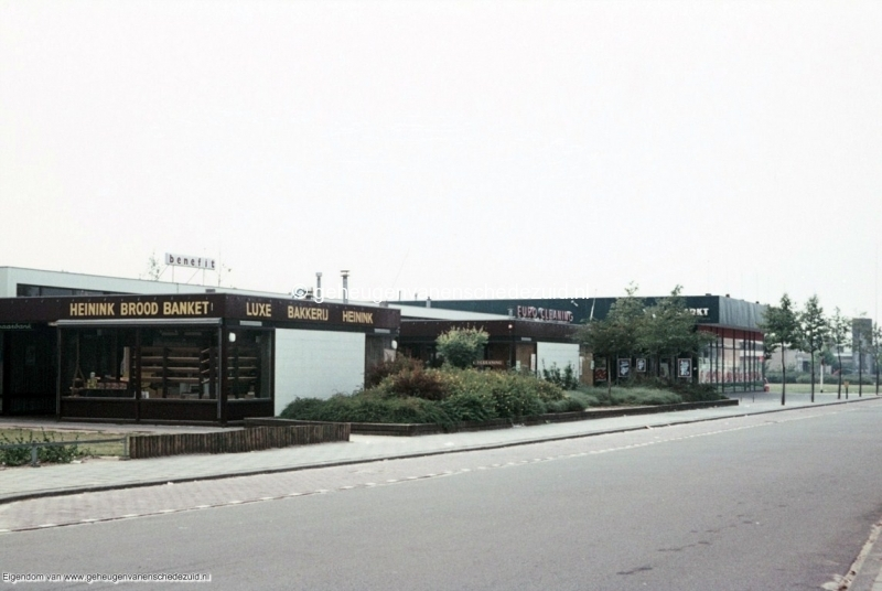 1970-1980_Winkelcentrum_Het_Bijvank_bron_mw._Assink-Heys.jpg