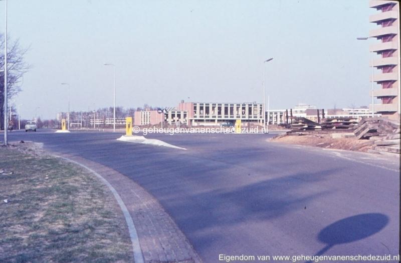 1972 Geesinkweg hoek Broekheurnerring bron K. Koster (1) (small).jpg