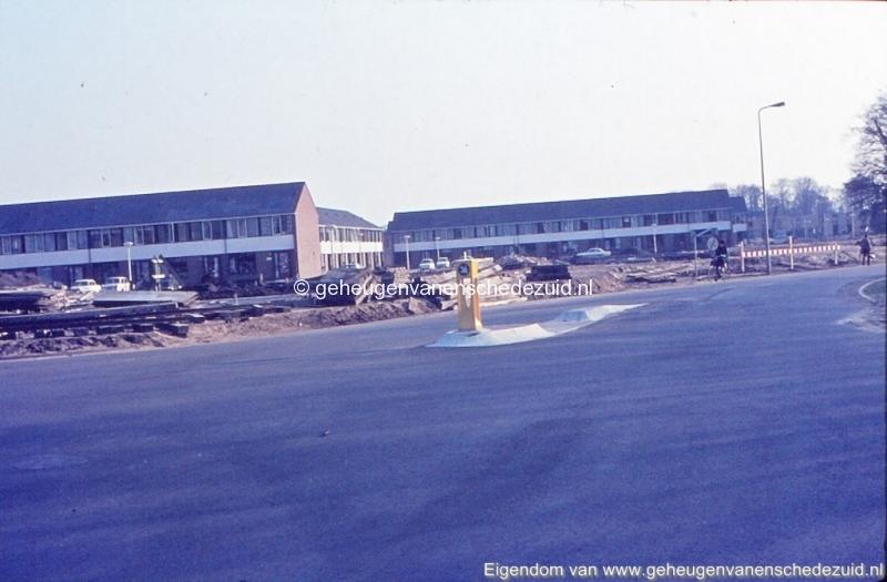 1972 Geesinkweg hoek Broekheurnerring bron K. Koster (2) (small).jpg