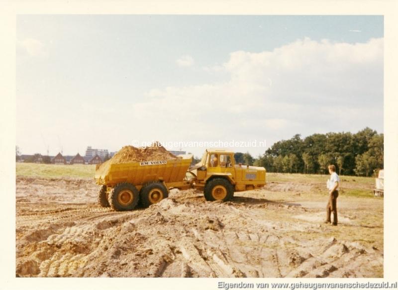 1972 aanleg vijver Buurserstraat bron K Koster (10006) (small).jpg