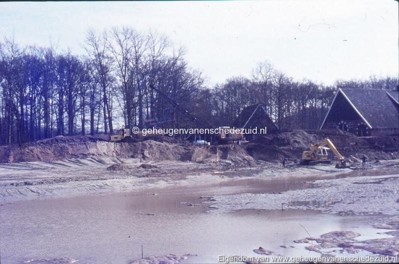 1972 aanleg vijver Buurserstraat bron K Koster (10021) (small).jpg