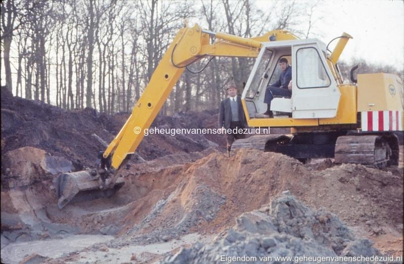 1972 aanleg vijver Buurserstraat bron K Koster (10025) (small).jpg
