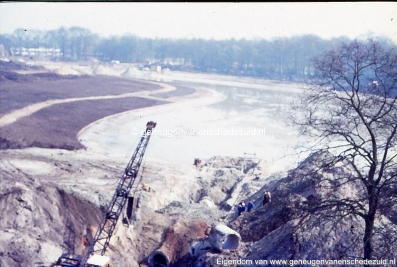 1972 aanleg vijver Buurserstraat bron K Koster (10036) (small).jpg