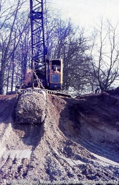1972 aanleg vijver Buurserstraat bron K Koster (10040) (small).jpg