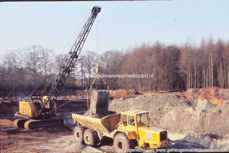 1972 aanleg vijver Buurserstraat bron K Koster (10042) (small).jpg