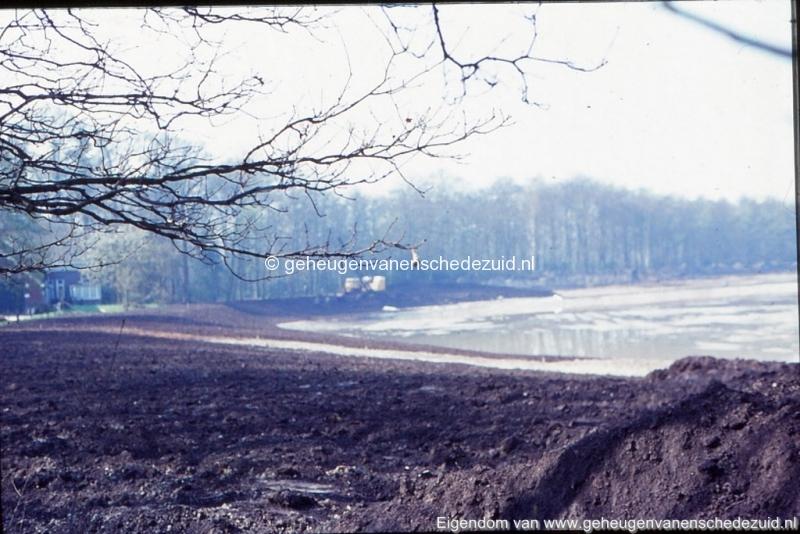 1972 aanleg vijver Buurserstraat bron K Koster (10043) (small).jpg