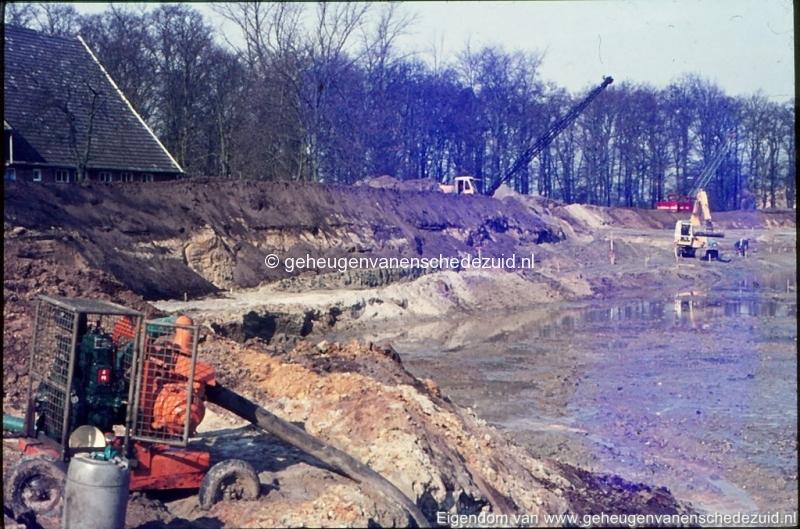 1972 aanleg vijver Buurserstraat bron K Koster (10044) (small).jpg