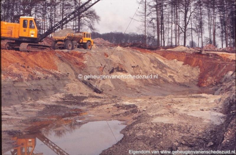 1972 aanleg vijver Buurserstraat bron K Koster (10046) (small).jpg