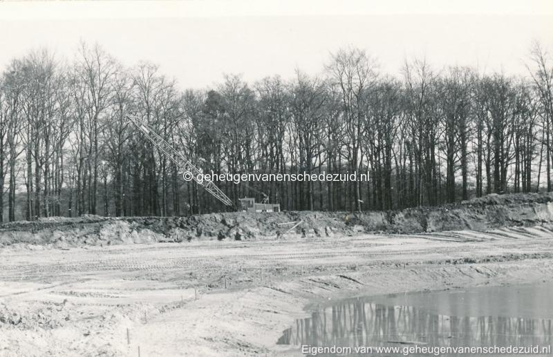 1972 aanleg vijver Buurserstraat bron K Koster (10047) (small).jpg