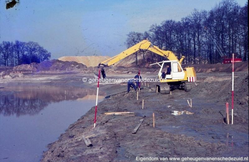 1972 aanleg vijver Buurserstraat bron K Koster (10048) (small).jpg