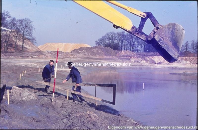 1972 aanleg vijver Buurserstraat bron K Koster (10053) (small).jpg