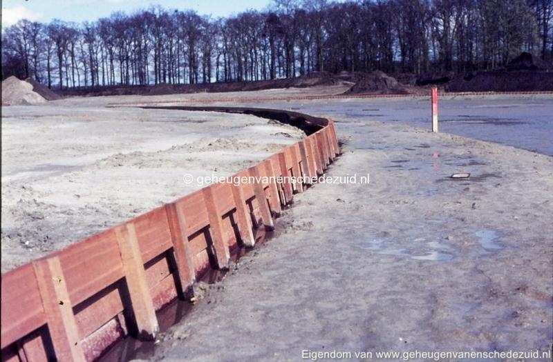 1972 aanleg vijver Buurserstraat bron K Koster (10057) (small).jpg