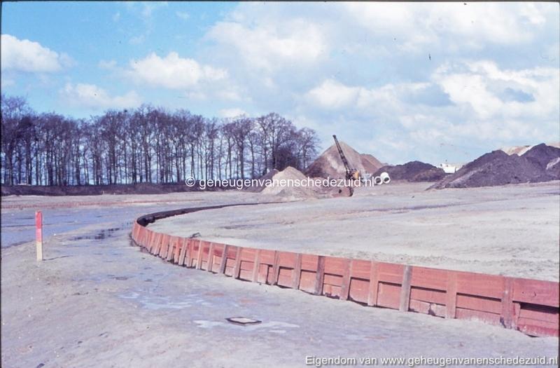 1972 aanleg vijver Buurserstraat bron K Koster (10060) (small).jpg