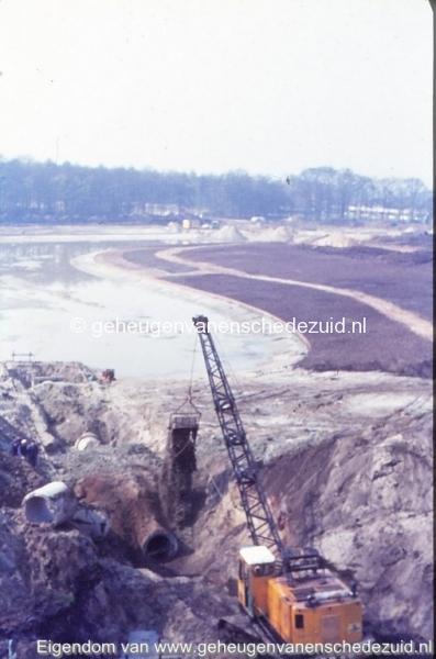 1972 aanleg vijver Buurserstraat bron K Koster (10061) (small).jpg
