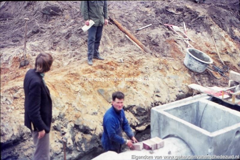 1972 aanleg vijver Buurserstraat bron K Koster (10063) (small).jpg