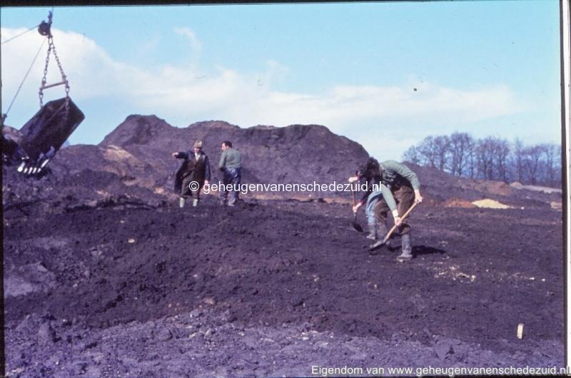 1972 aanleg vijver Buurserstraat bron K Koster (10065) (small).jpg