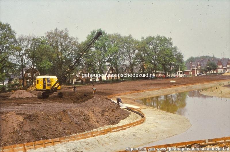 1972 aanleg vijver Buurserstraat bron K Koster (10066) (small).jpg