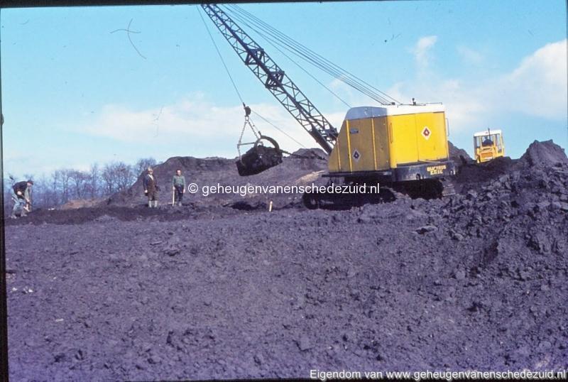 1972 aanleg vijver Buurserstraat bron K Koster (10068) (small).jpg