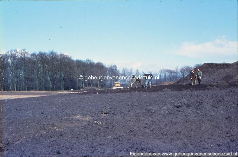 1972 aanleg vijver Buurserstraat bron K Koster (10069) (small).jpg