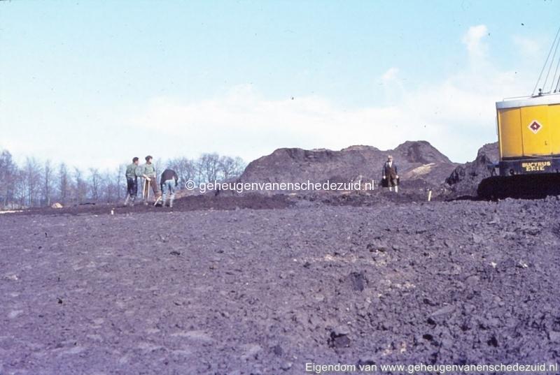 1972 aanleg vijver Buurserstraat bron K Koster (10070) (small).jpg