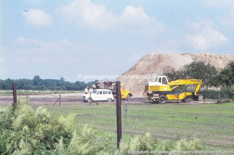 1972 aanleg vijver Buurserstraat bron K Koster (10072) (small).jpg