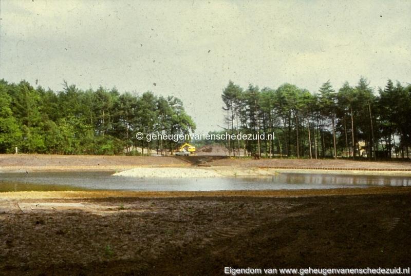 1972 aanleg vijver Buurserstraat bron K Koster (10076) (small).jpg