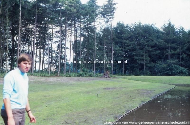 1972 aanleg vijver Buurserstraat bron K Koster (10078) (small).jpg
