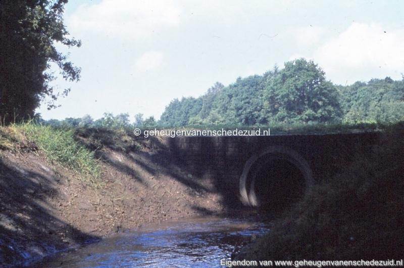 1972 aanleg vijver Buurserstraat bron K Koster (10079) (small).jpg