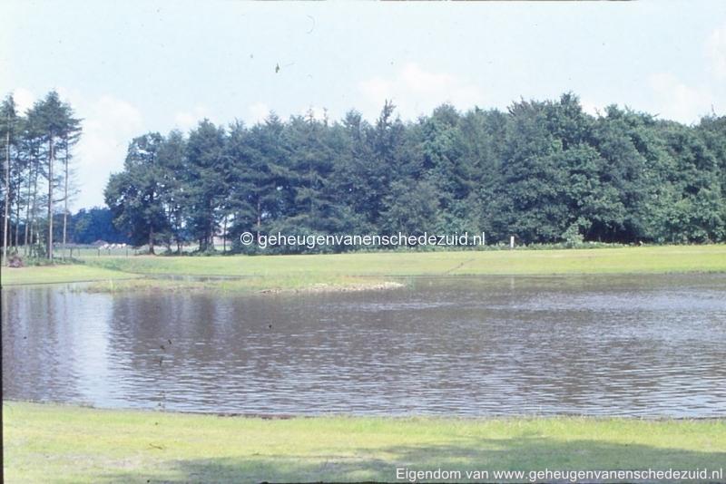 1972 aanleg vijver Buurserstraat bron K Koster (10083) (small).jpg