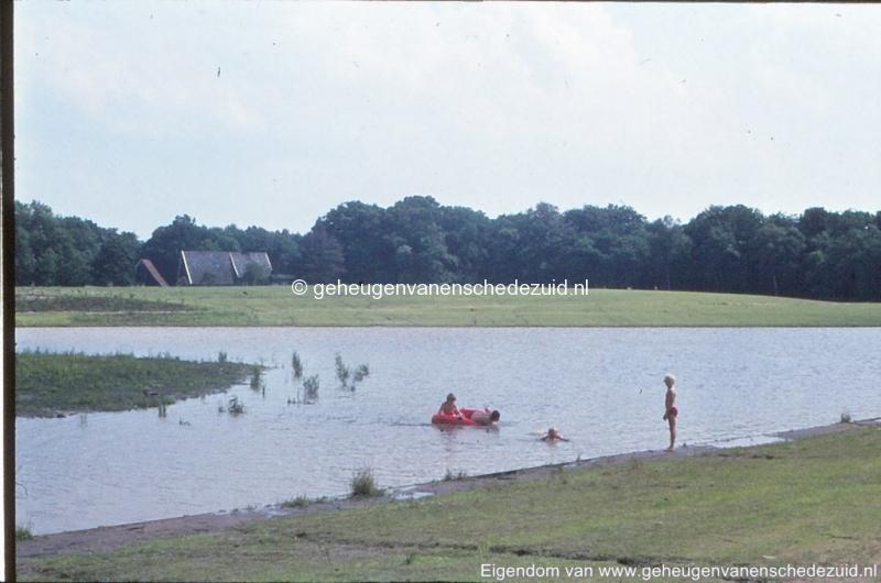 1972 aanleg vijver Buurserstraat bron K Koster (10086) (small).jpg