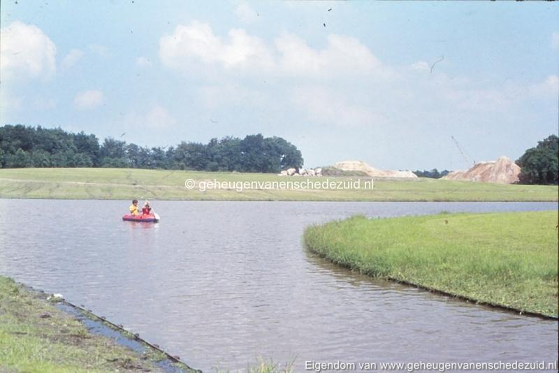 1972 aanleg vijver Buurserstraat bron K Koster (10087) (small).jpg