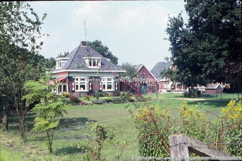 1972 aanleg vijver Buurserstraat bron K Koster (10088) (small).jpg