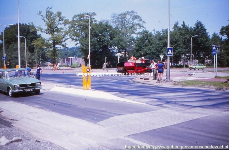 1975 hoek Broekheurnerring- Knalhutteweg bron K. Koster (1) (small).jpg