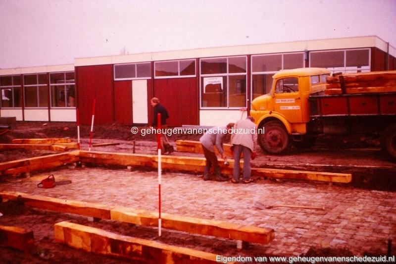 1975 school de Posse Knalhutteweg bron K. Koster (2) (small).jpg