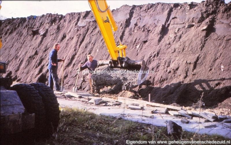 1980 Aanleg geluidwal Broekheurnerring bron K. Koster (13) (small).jpg