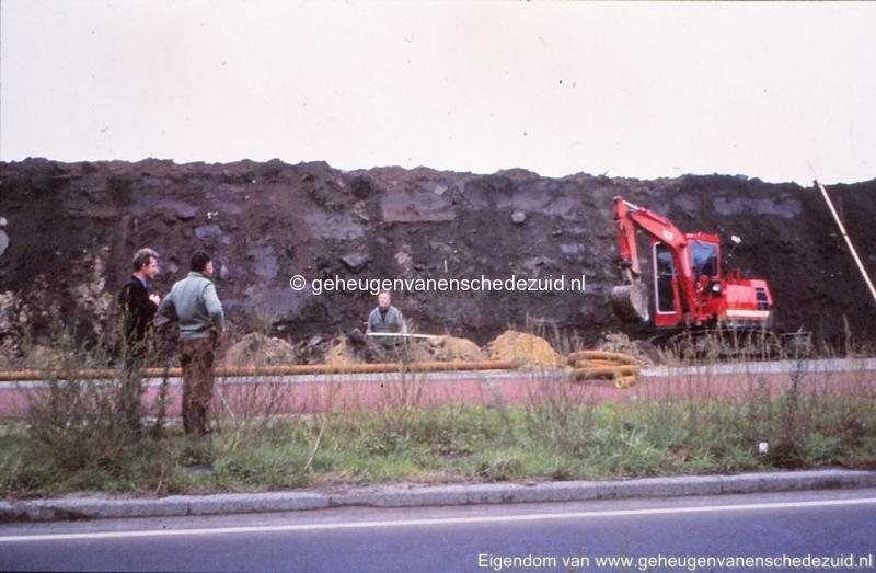 1980 Aanleg geluidwal Broekheurnerring bron K. Koster (14) (small).jpg