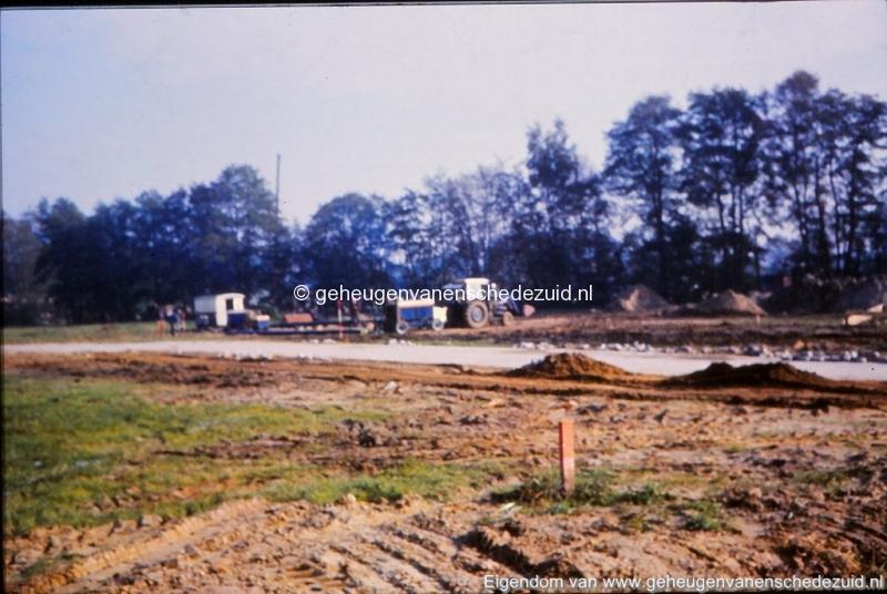 1981 Aanleg stadsverwarming Helmerhoek bron K. Koster (6) (small).jpg