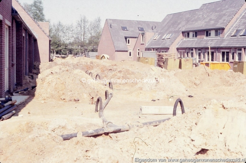 1982 Huizenbouw Helmerhoek Berninkholthoek bron K. Koster (1) (small).jpg