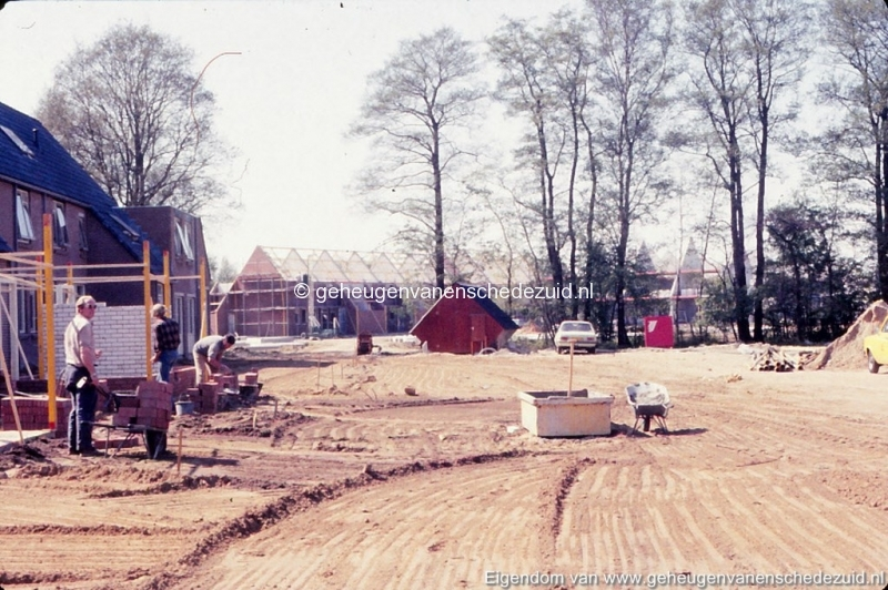 1982 Huizenbouw Helmerhoek Berninkholthoek bron K. Koster (2) (small).jpg