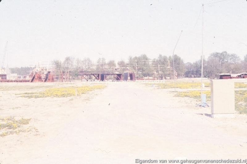 1982 Huizenbouw Helmerhoek Berninkholthoek bron K. Koster (3) (small).jpg