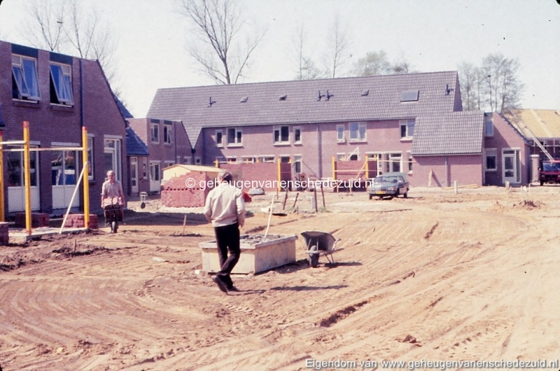 1982 Huizenbouw Helmerhoek Berninkholthoek bron K. Koster (5) (small).jpg