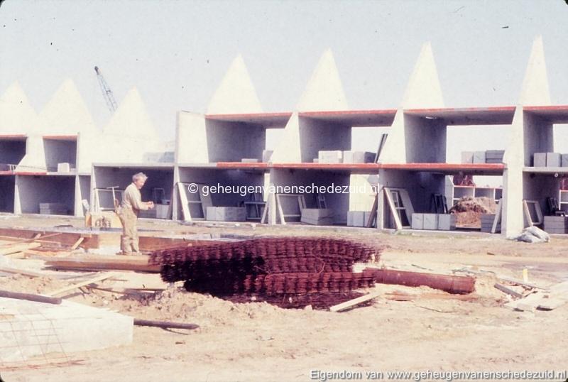1982 Huizenbouw Helmerhoek bron K. Koster (3) (small).jpg