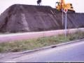 1980 Aanleg geluidwal Broekheurnerring bron K. Koster (4) (small).jpg