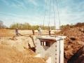 1983 Helmerhoek bouw overloopput tussen vijver en Usselerstroom bron K. Koster (12) (small).jpg