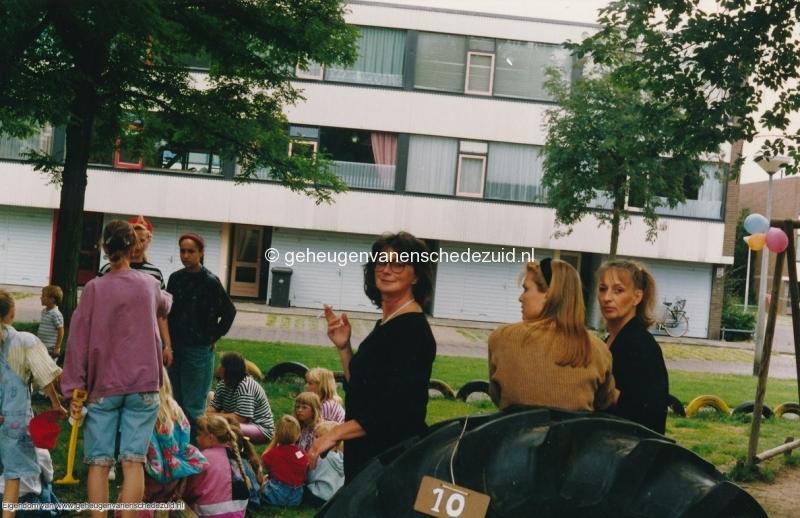 1991 Piksenbrink opening speeltuin bron Ineke Nijhoff (2).jpg