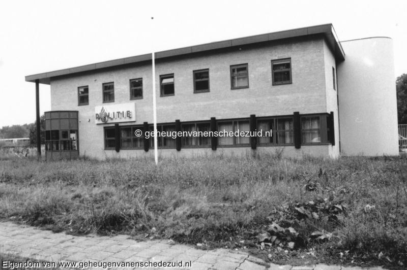 1992 Nieuw wijkbureau Politie in Enschede Zuid bron Wijkraad Wesselerbrink (3).jpg